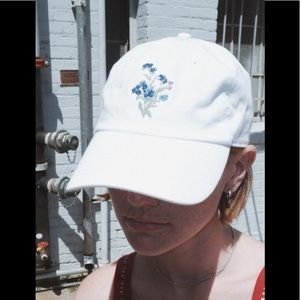 Brandy Melville forget me not hat